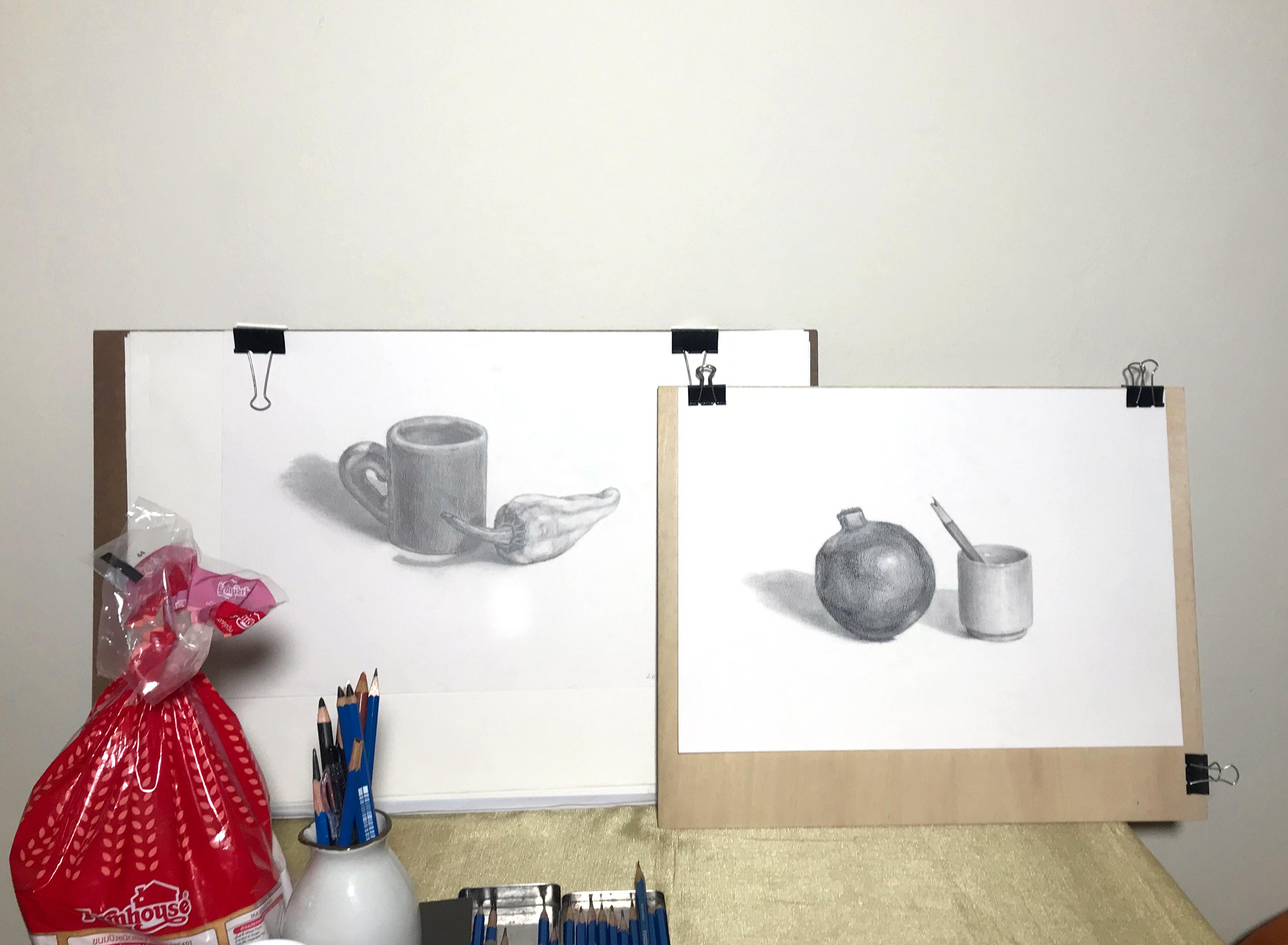 2019の正月から2日続けて描いた静物デッサン
